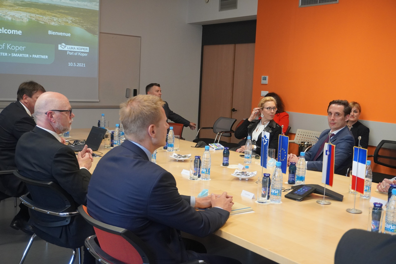 French minister and CMA CGM delegates visit the Port of Koper