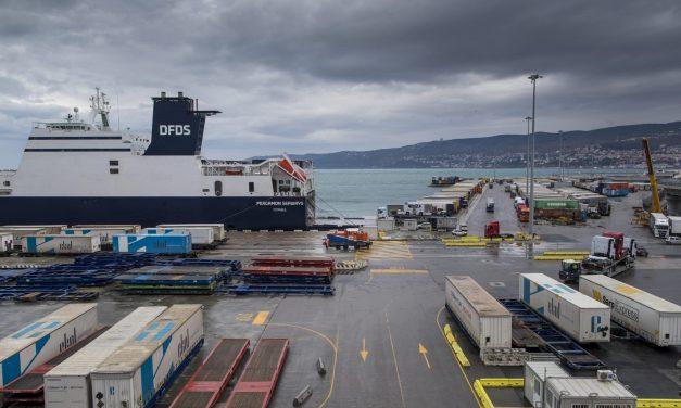 Porto di Trieste, la Formula 1 lascia lo scalo a causa dello sciopero