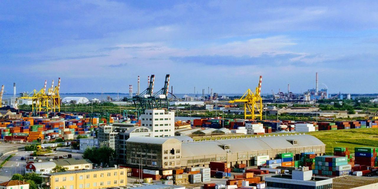 Porto di Venezia, nuovo terminalista e via libera al ponte sul Canale ovest