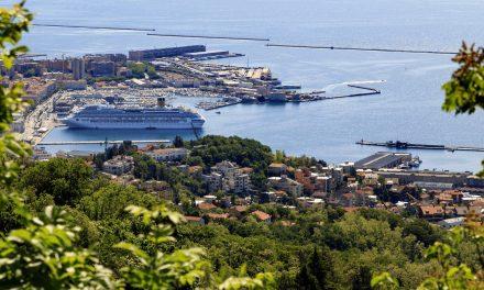 Crociere, Trieste si candida ma a Venezia si protesta