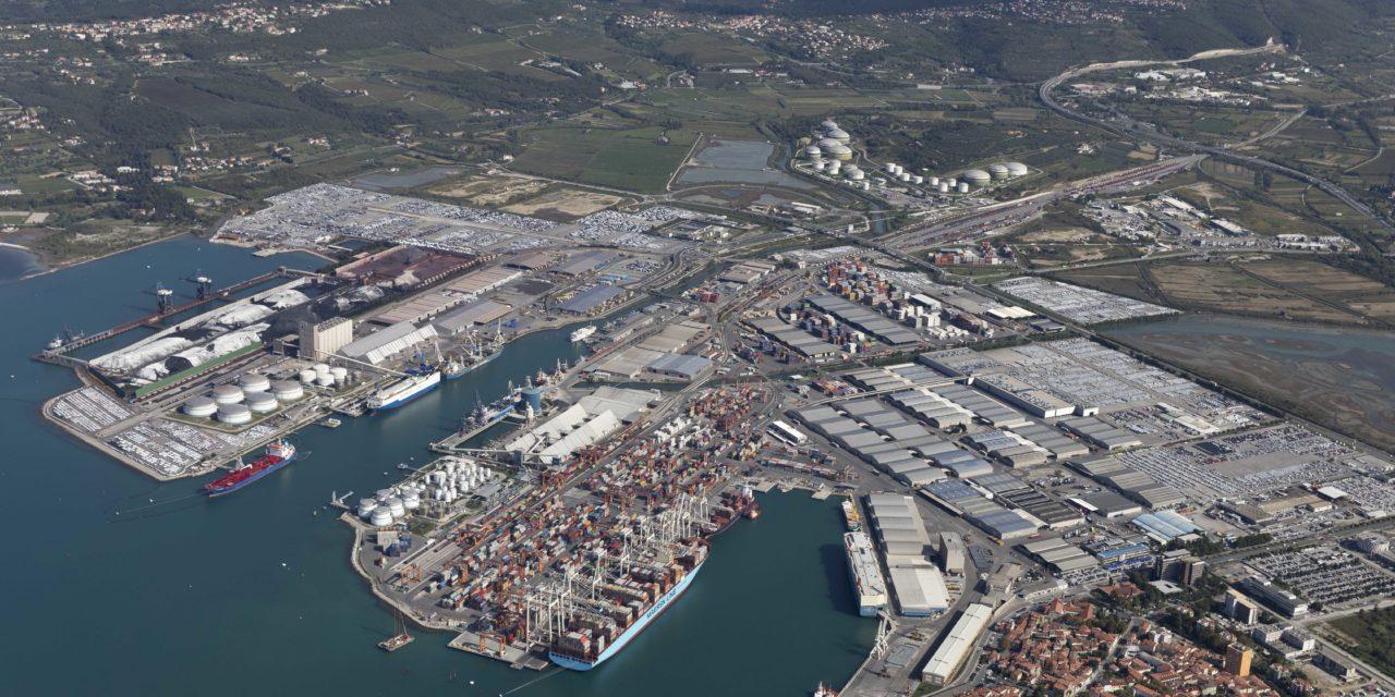 Porto di Capodistria, semestre in crescita: balzo per container (+7%) e automobili (+22%)