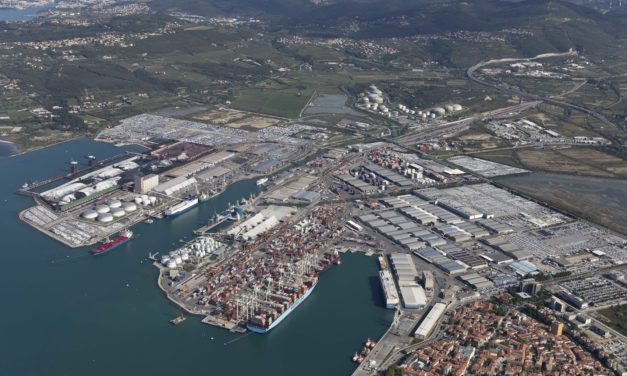 Port of Koper, half-year growing: leap for containers (+ 7%) and cars (+ 22%)