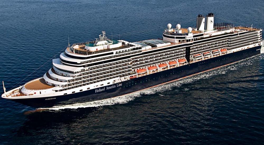 Venezia, nave da crociera al terminal Vecon di Marghera