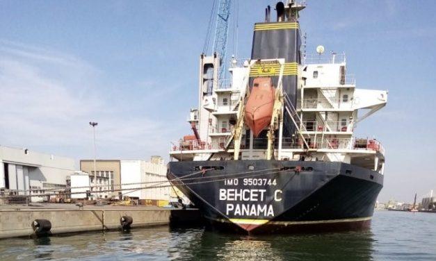 Venezia, Guardia costiera ferma cargo Behcet C